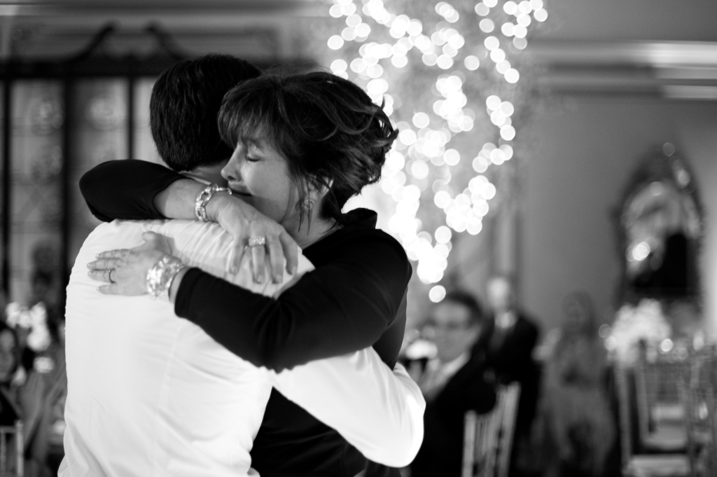 mother-son-dance_
